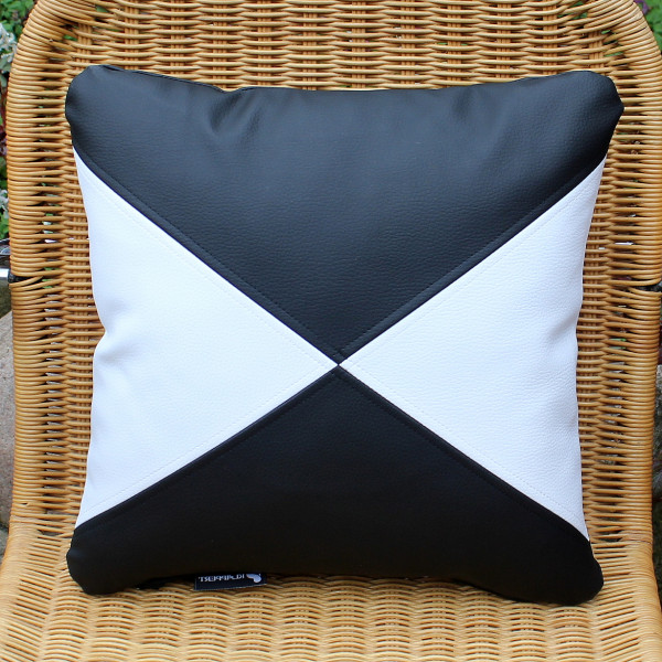 Synthetic leather cushions triangles black - white